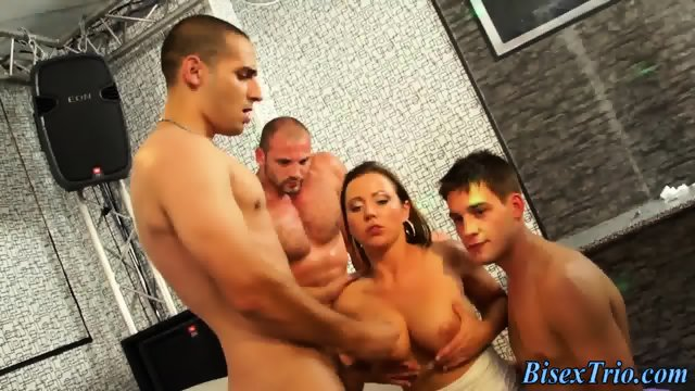 Bisexual orgy cum spray