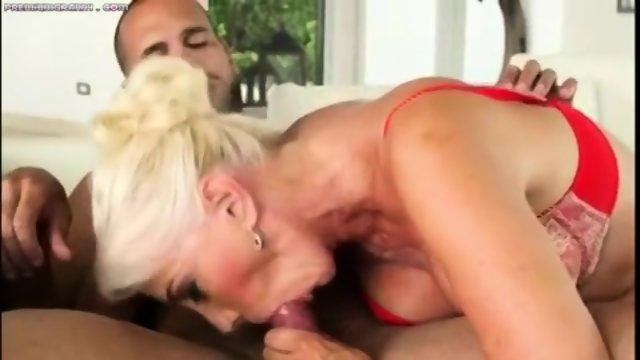 grannies-fucking-young-men-videos-girl-girl