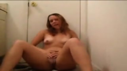 Hot Bathroom StripTwerk