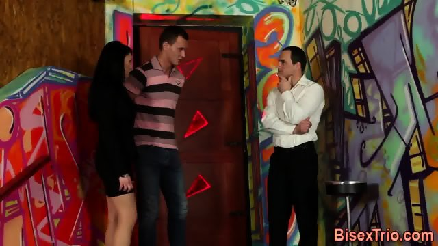 Bisexual threeway jizz - scene 1