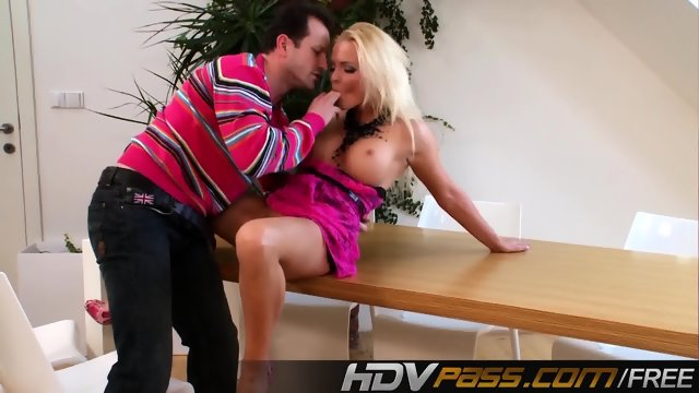 Sexi Babe Jenna Lovely Creampie - scene 4