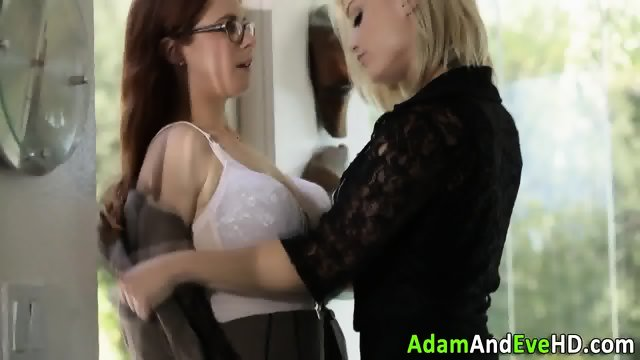 Lesbos in stockings lick - scene 1