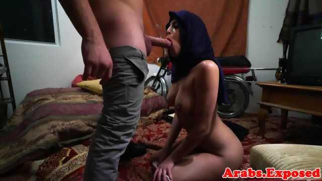 Arab babe throathed and fucked balls deep - scene 8
