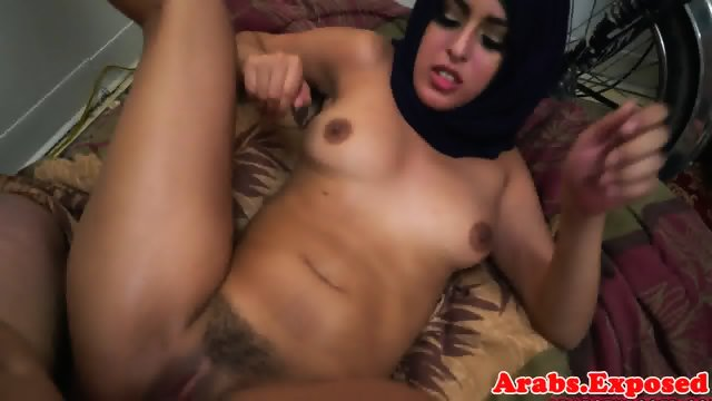 Arab babe throathed and fucked balls deep - scene 11