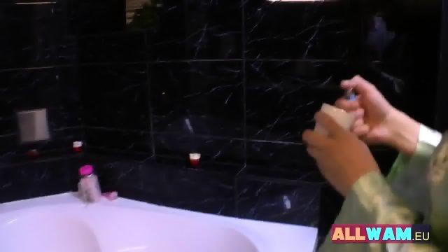 Euro Lesbians Have Fun In A Bath - scene 3