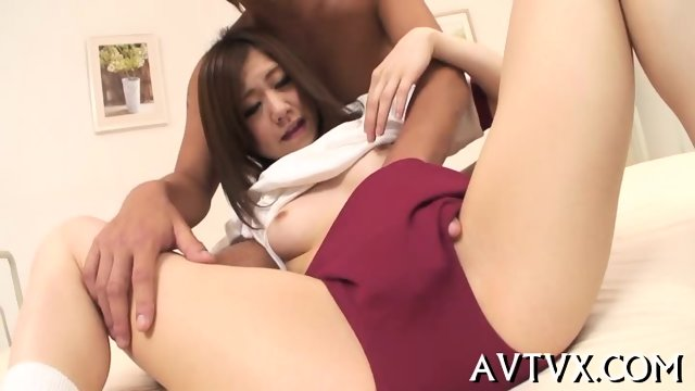 Jamming a lusty Asian poon tang