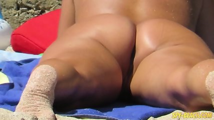 Nude Beach Voyeur Amateur - Close-Up Pussy MIlf - scene 1
