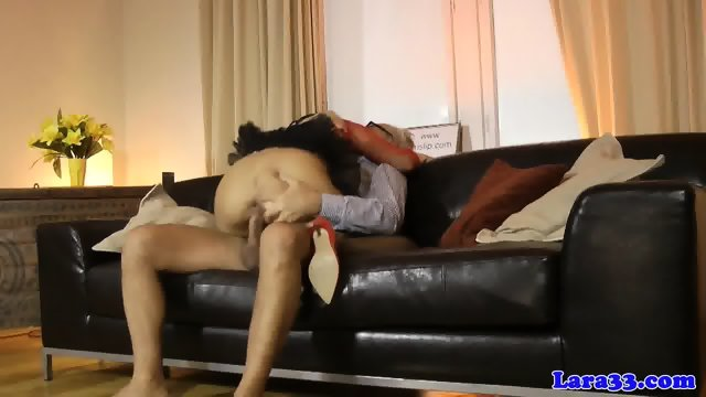 Glamour milf licks cum of assfucked eurobabe