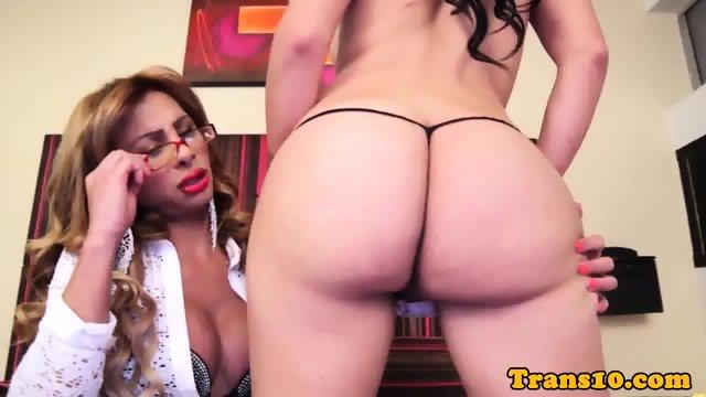 Gorgeous trannies buttfucking after handjobs