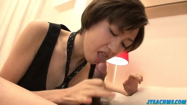 Akina holds several dicks in her greedy mouth - scene 11