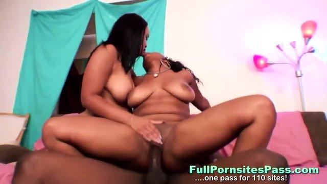 Ebony Babes Share One Cock - scene 10