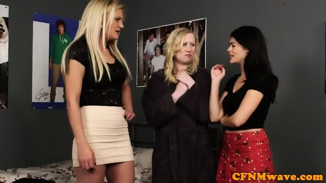 CFNM babes punishing bloke with blowjob