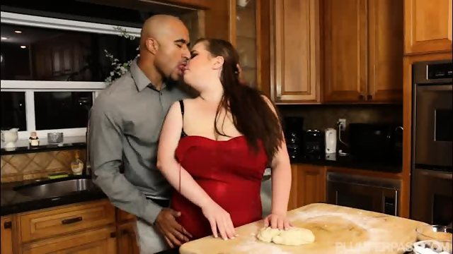 Plumper Savana Blue Sucks Big Black Cock In the Kitchen - scene 4