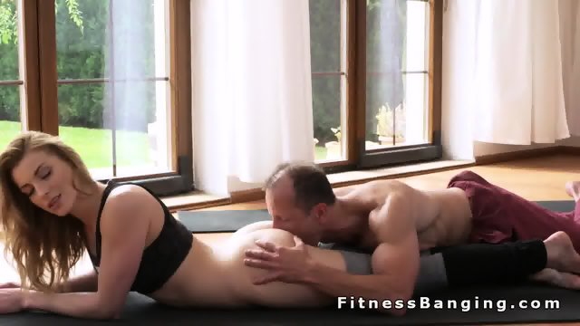 Perfect ass blonde gets banged after yoga training - scene 6
