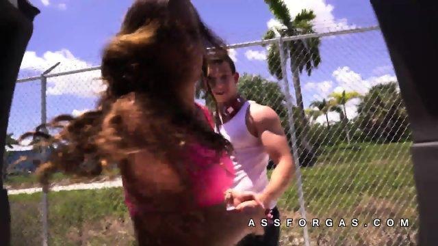 Kelsi Monroe hooks up with strangers - scene 10