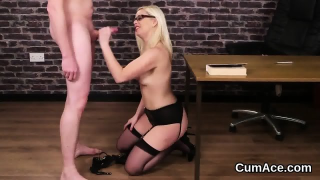 Flirty doll gets cumshot on her face swallowing all the cum - scene 9