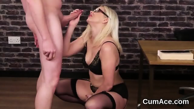 Flirty doll gets cumshot on her face swallowing all the cum - scene 7