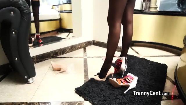 Sexy lingerie tranny behind the scenes - scene 7