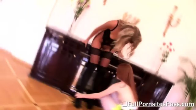 Redhead Babe Alex Gets Her Pussy Eaten