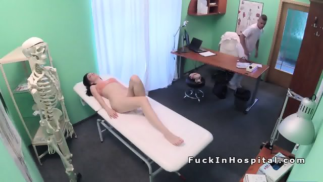 Doctor examines pussy to sexy patient