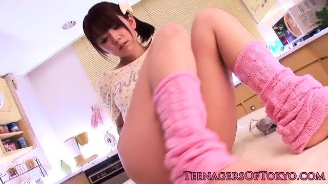 Masturbating japanese teen toying pussy