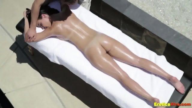 Sensual massage and hot fun for brunette - scene 2