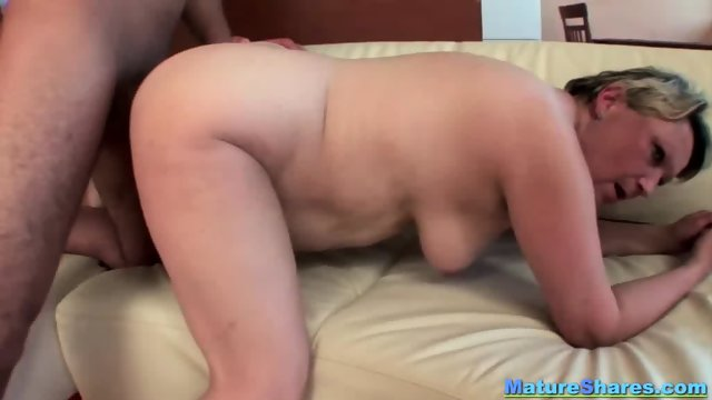 Blonde Fat Mature Gives An Oral - scene 9