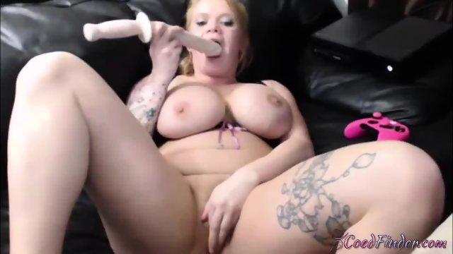Tattooed chunky honey girl Chambers puts in pussy dildo sword - scene 11