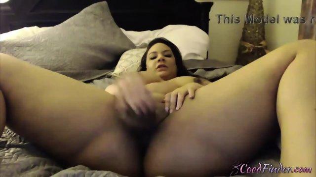 Vegas vixen chubby ebony Jalena Jameson fucks her tight pussy - scene 11