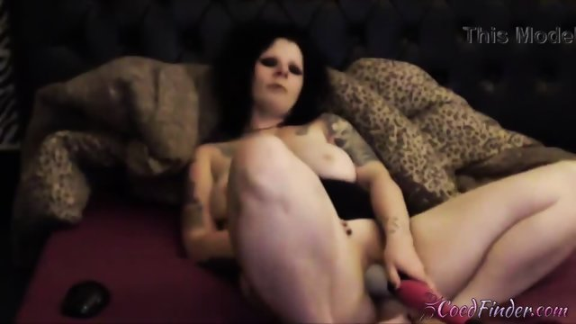 Gorgeous tattooed punk Kitty Fox gets crazy orgasm - scene 9