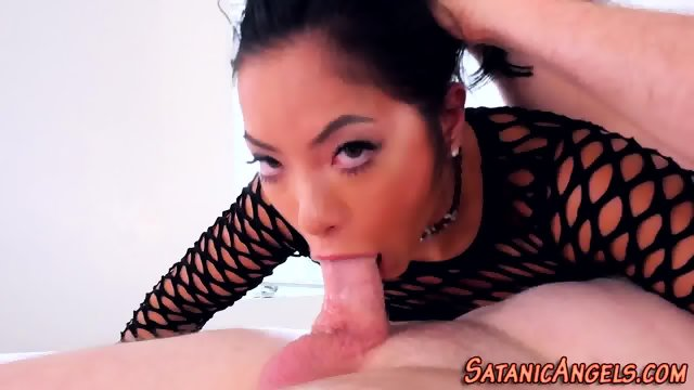 Throating asian spunked