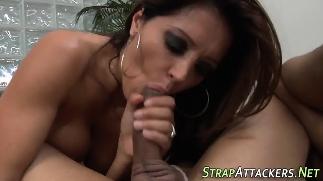 Femdomina toys losers ass - scene 11