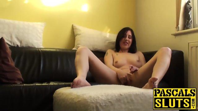 Amateur brunette wife Honesty masturbates on the couch - scene 8
