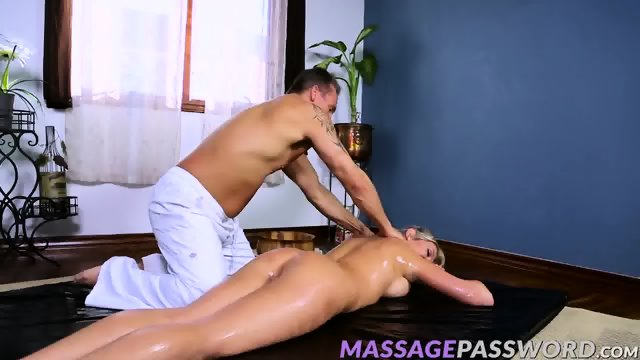 Lexi Lowe wants his hard cock in her wet tight hole - scene 3