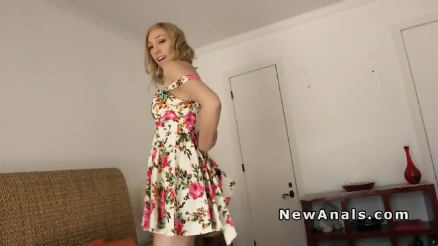 Nice girlfriend offers first time anal on anniversary - scene 2
