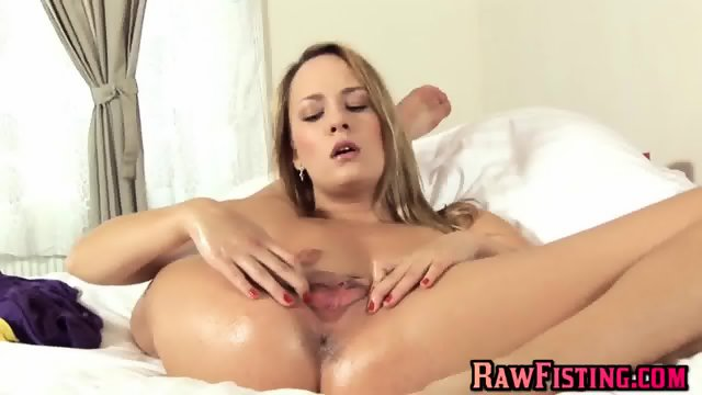 This blond don t need anyone - scene 10