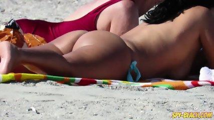 Topless MILFs Amateur - Voyeur Beach HD Video+ - scene 7