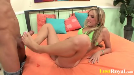 Sexy Blonde Amy Brooke Gets Licked And Fucked - scene 2