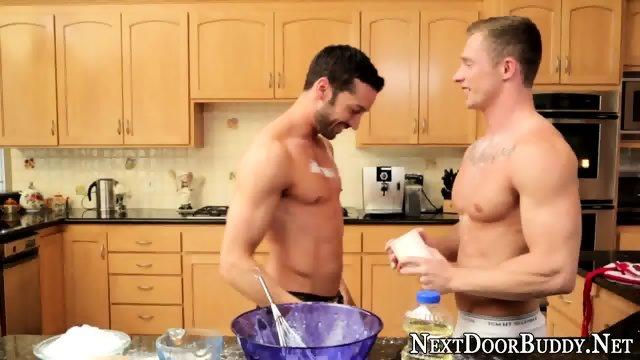 Muscly baker fucks n cums