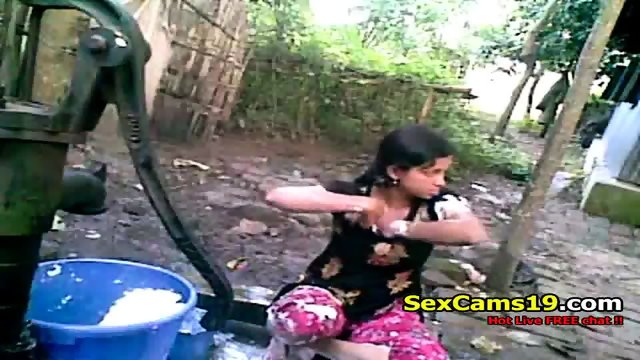 Bangla Desi Shameless Village Cousinnupur Bathing.