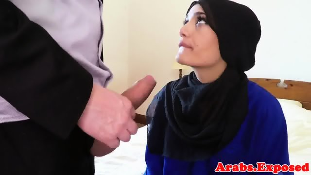 Muslim woman pussydrilled on camera for cash