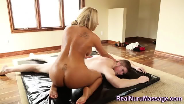 Blonde masseuse jerks rod