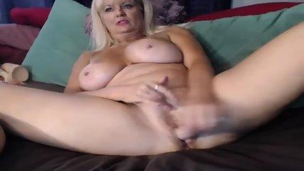 MILF Slut Play Dildo On Webcam - scene 11