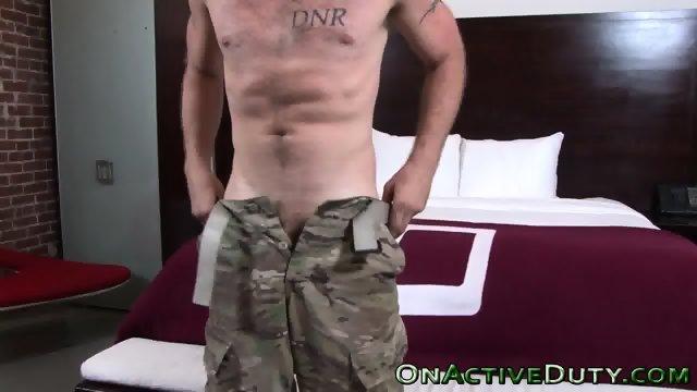 Amateur soldier jizzes