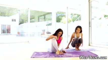 Yoga les licking teen