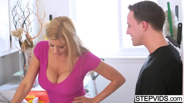Alexis Fawx Step Daughter