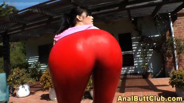 Kinky bigassed slut twerk