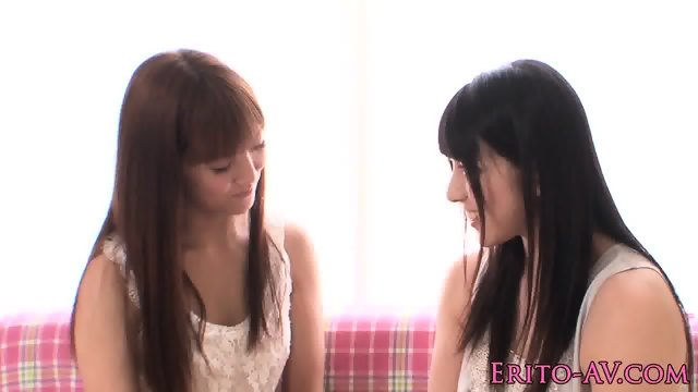 Japanese lesbians scissoring together - scene 3