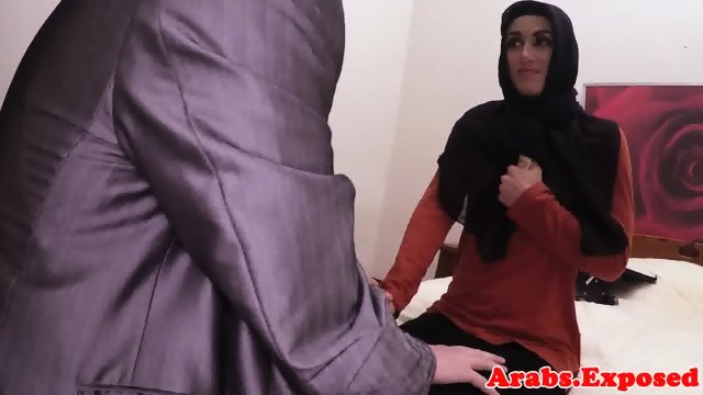 Arab muslim babe fucks on camera for cash