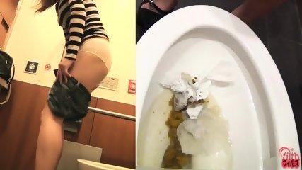 Poo Fetish Vid - scene 2